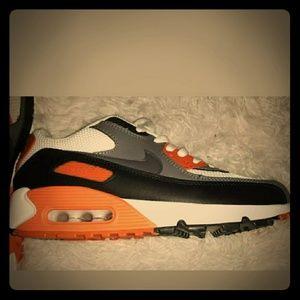 Mens Nike Shoes Size 9 Orange & Black